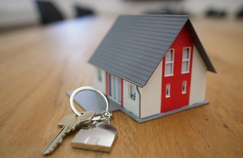 to buy or rent blog photo of a small house next to keys